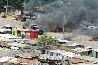 Fierce fighting in Abidjan has hindered humanitarian aid...