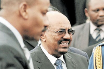 President Omar al-Bashir visited Kenya for the promulgation of its new constitution.