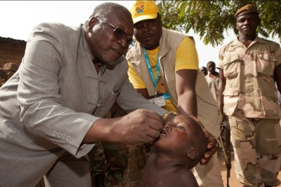 Polio vaccination in Chad supported by Unicef.