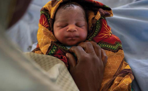 Nigeria Steps Up Midwifery Plan to Save Mothers' Lives