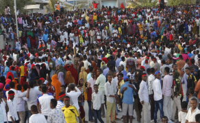 Thousands March to Protest Against Somalia Bombing