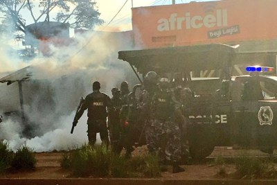 Police officers blocked a meeting Besigye had organised.