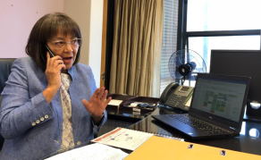 Opposition Party War of Words Against Cape Town Mayor De Lille