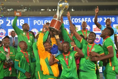 The Warriors are victorious 2 years in a row! Zimbabwe's 6th #COSAFACup trophy!