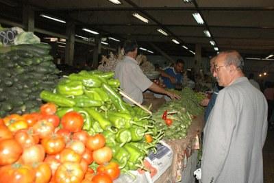 Marché de légumes en Algérie