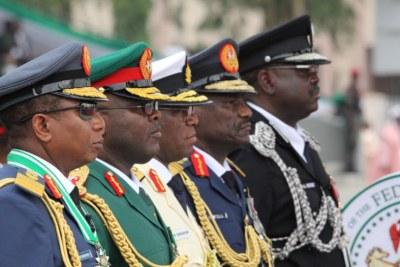 Autorités militaires et policières