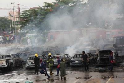 Les sapeur-pompiers au QG de la police fédérale à Abuja