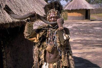 (Photo d'archives) Un guérisseur du peuple Shona au Zimbabwe