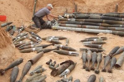 Des munitions dans un site de démolition en Libye.