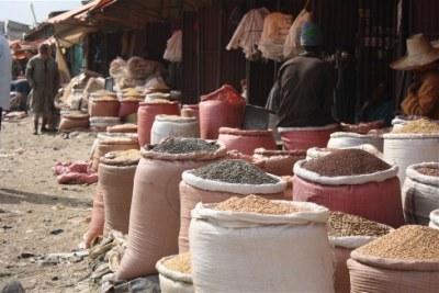 Un nouveau rapport de la FAO appelle à des changements dans les systèmes alimentaires pour éradiquer la malnutrition