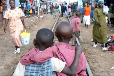 Déficits de traitement chez les enfants vivant avec le VIH