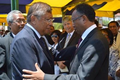 Hery Rajaonarimampianina et Jean Louis Robinson, les deux candidats du du second tour de la présidentielle malgache.