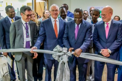 Farid Fezoua, President & CEO, GE Healthcare Africa, Jay Ireland, President & CEO, GE Africa, Dr Cleopa Mailu, Cabinet Secretary, Ministry of Health for Kenya, John Flannery, President & CEO of GE Healthcare