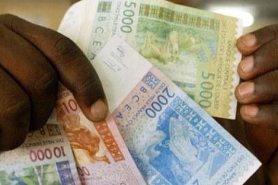 Des billets de banques en franc CFA