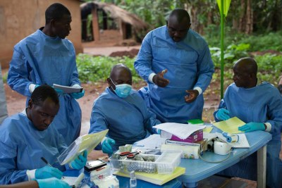 An Ebola vaccination tean