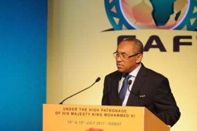 Le président de la CAF Hamad au symposium de la CAF à Rabat