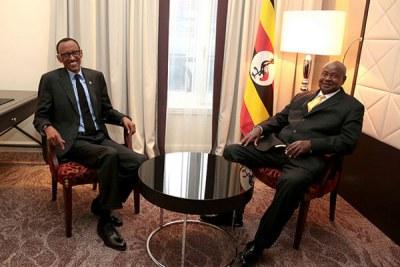Rwandan President Paul Kagame (left) and his Ugandan counterpart Yoweri Museveni.
