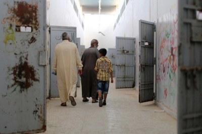 Aperçu des cellules de la prison d'Abu Salim, en Libye.Des milliers d'hommes, de femmes et des enfants sont détenus dans des conditions « horribles » en Libye par des groupes armés, selon le nouveau rapport conjoint du Bureau des droits de l'homme de l'ONU et de la Mission d'appui des Nations Unies en Libye (MANUL