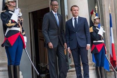 Le Président Paul Kagamé et son homologue français, le Président Emmanuel Macron.
