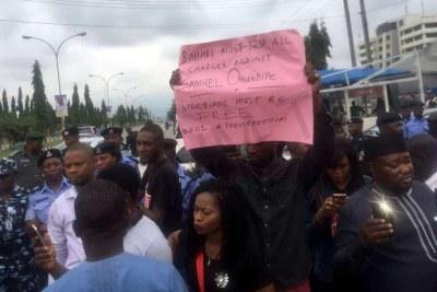 Protesters Storm Nigeria Police HQ, demanding Samuel Ogundipe's release