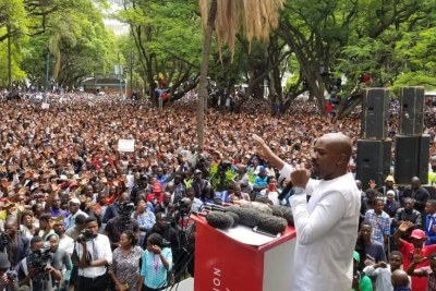 Nelson Chamisa addresses protesters.