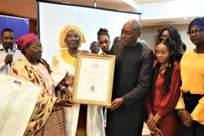La coalition régionale des organisations de la société civile pour la planification familiale distingue Mabingué Ngom, Directeur Régional UNFPA en reconnaissance à son