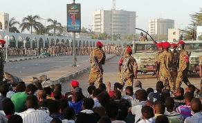 Suspension des pourparlers entre militaires et opposition au Soudan