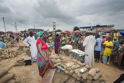 Market scene in Abuja, Nigeria