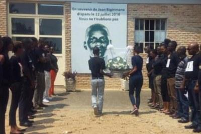(Photo d'archives) - Hommage à Jean Bigirimana, journaliste d'Iwacu qui a disparu depuis le 22 juillet 2016.