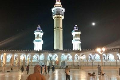 La grande mosquée de la ville sainte des Mourides, Touba, prête pour le Grand Magal qui se tient jeudi 17 octobre.