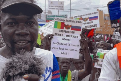 Malian protests in support of the coup leaders.