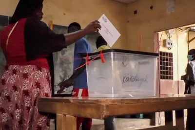Voting at Camayenne, Guinea.